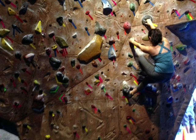 Bouldering Gym Basics - Lima Capri from Fabletics - Campfire Chic